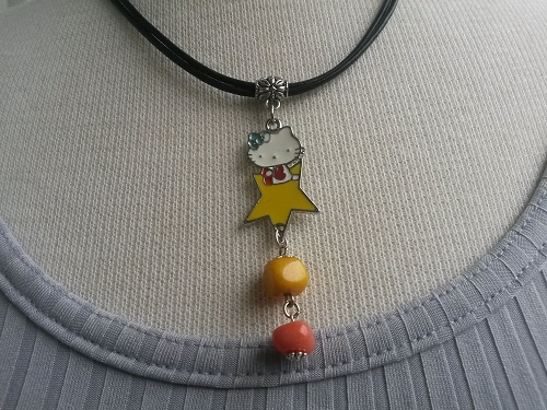 Hello Kitty leather necklace with a star