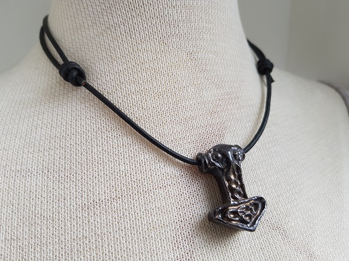 Thors hammer Mjolnir eternity leather necklace in black