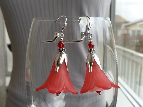 Dangle fairytale earrings with lucite flowers in red