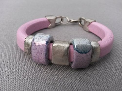 "Funky Look leather bracelet ""Think pink"""