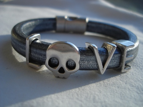Funky Look Love with skull